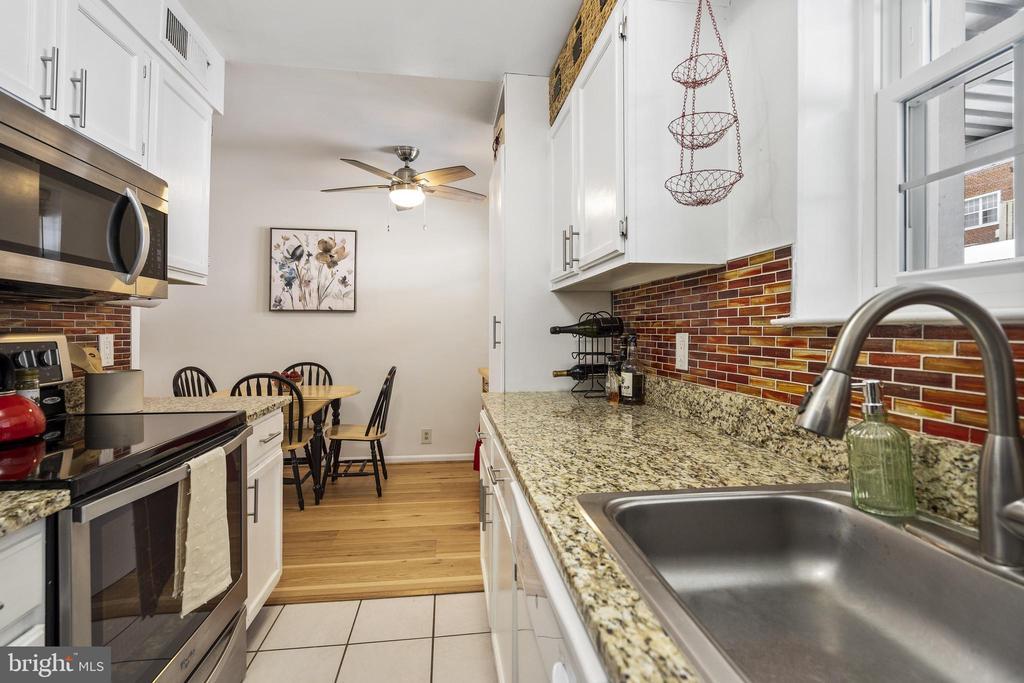 Tile flooring - 4616 28TH RD S #A, ARLINGTON