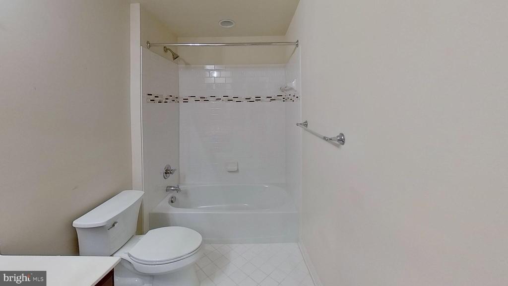 Bath - 20635 HOLYOKE DR, ASHBURN