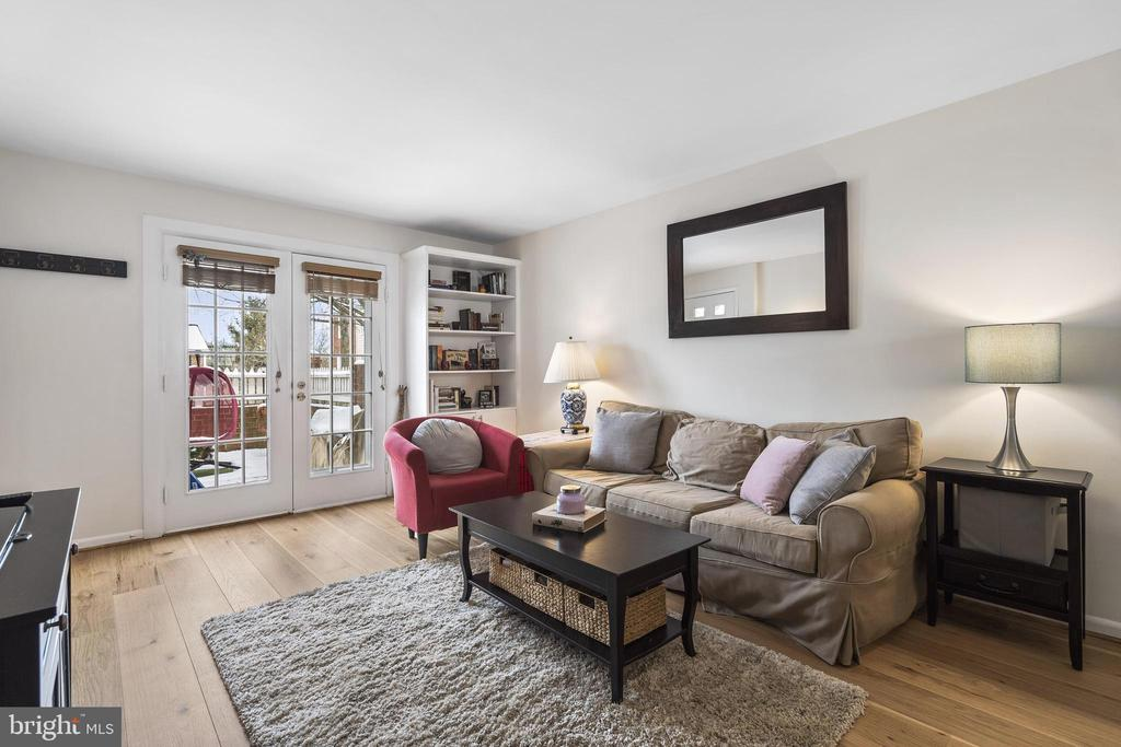 Lovely living room w/French doors to front patio - 4616 28TH RD S #A, ARLINGTON
