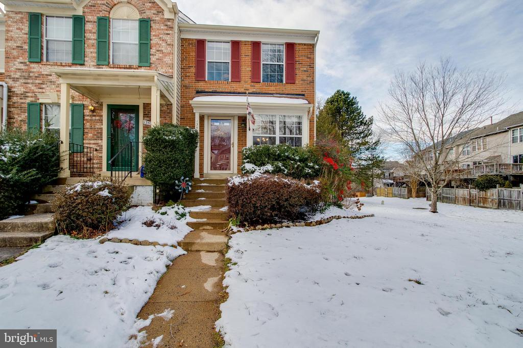 Beautiful End Unit Townhome in Clifton, VA - 13536 RUDDY DUCK RD, CLIFTON