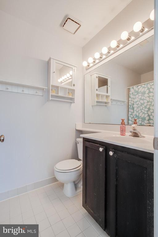 Primary Bedroom w/ Full Bath and Two Closets - 13536 RUDDY DUCK RD, CLIFTON