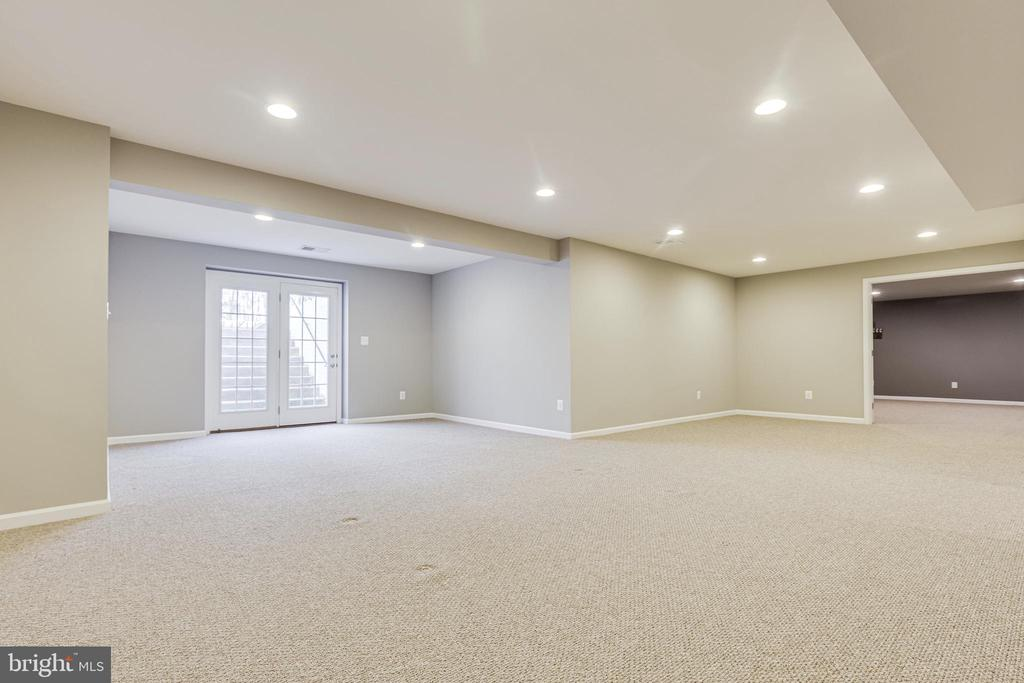 Basement Rec Room with Walk-out Stairs - 8353 LONGFIELDS LN, ALEXANDRIA