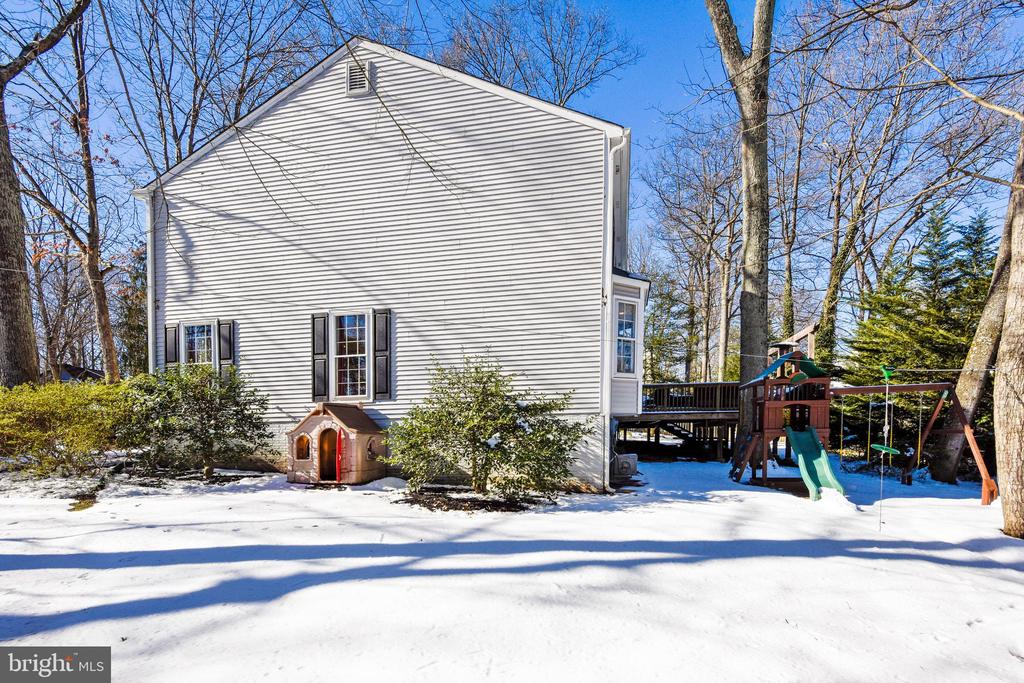Side Yard towards the street - 11588 LAKE NEWPORT RD, RESTON