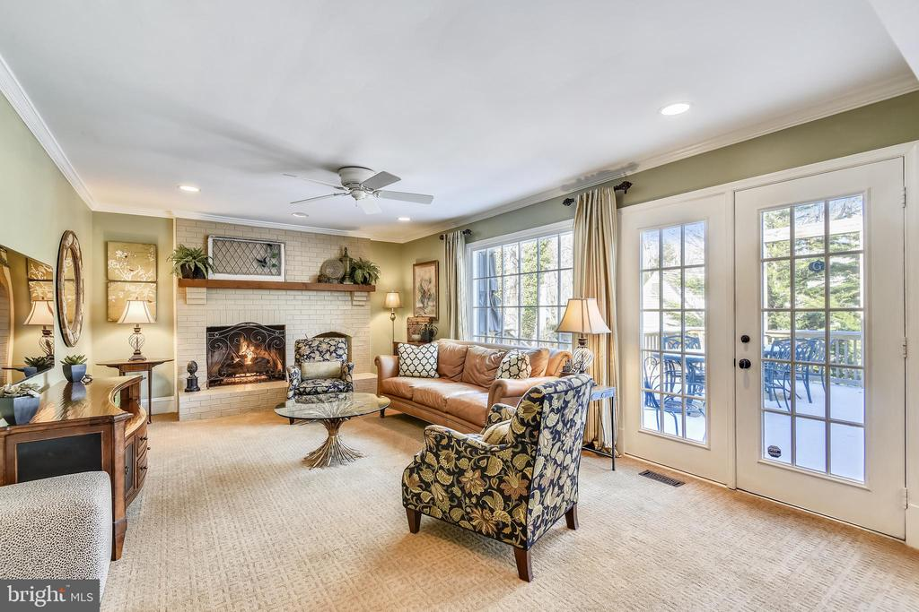 Main Level Family Room with door to Fabulous Deck - 11588 LAKE NEWPORT RD, RESTON