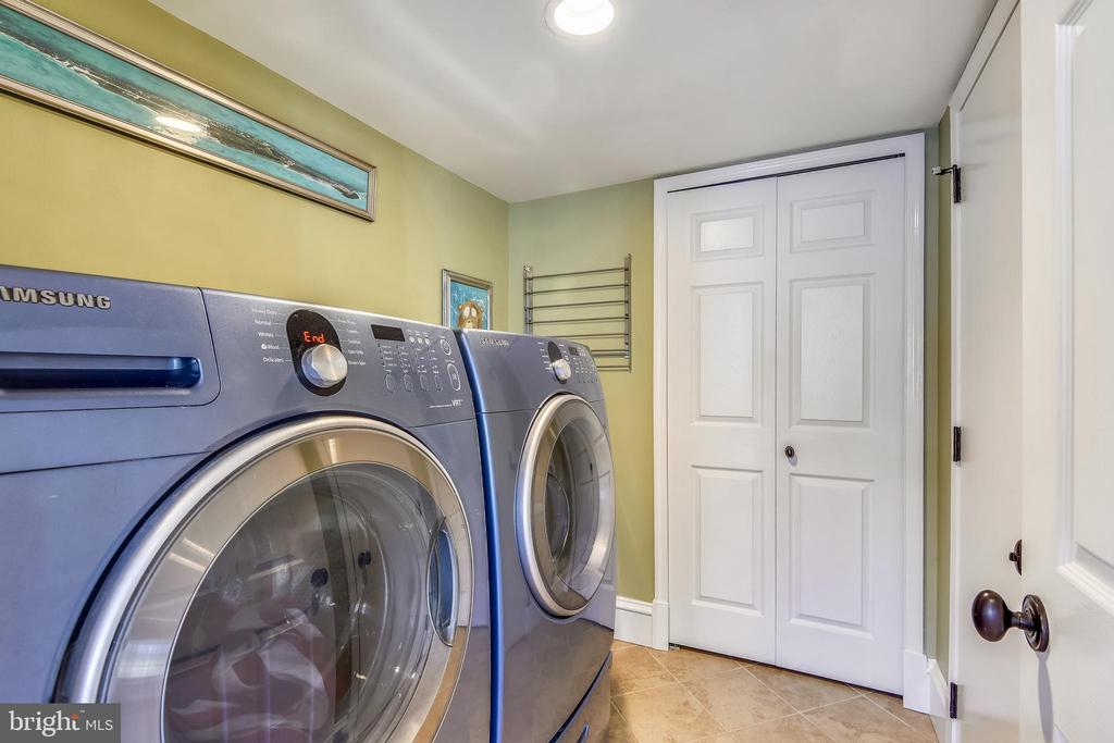 Main Level Laundry w/12x12 tile off the Garage - 11588 LAKE NEWPORT RD, RESTON