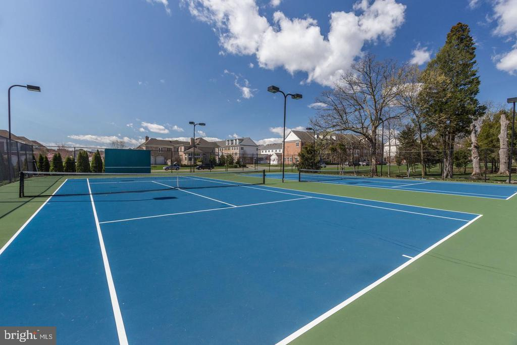 Tennis Courts - 42502 MILDRED LANDING SQ, ASHBURN
