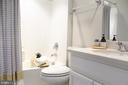 Bathroom w/Quartz Sink Vanity and Tub/Shower - 42502 MILDRED LANDING SQ, ASHBURN