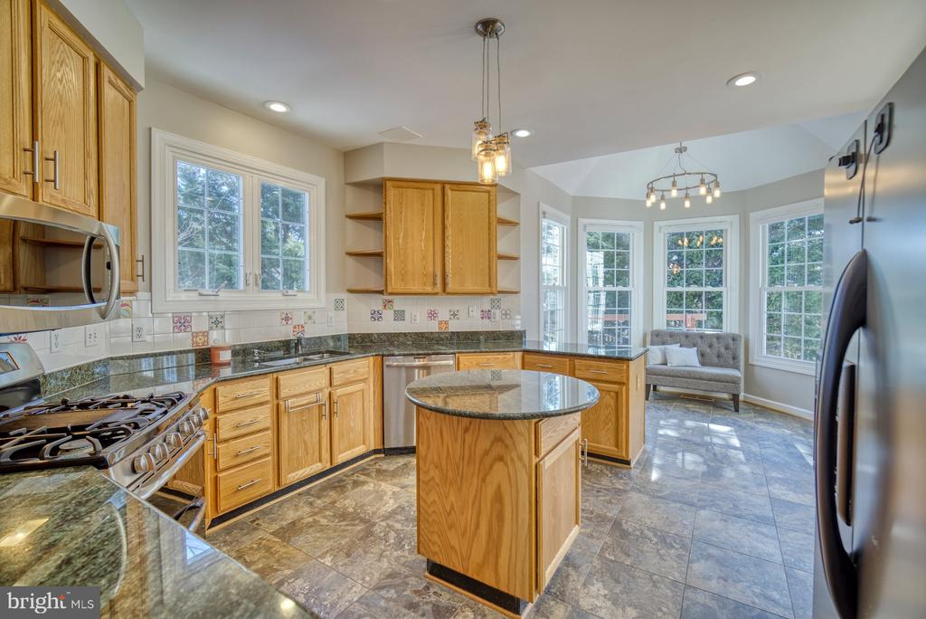 Kitchen has Lots of Counter Space - 21033 FOWLERS MILL CIR, ASHBURN