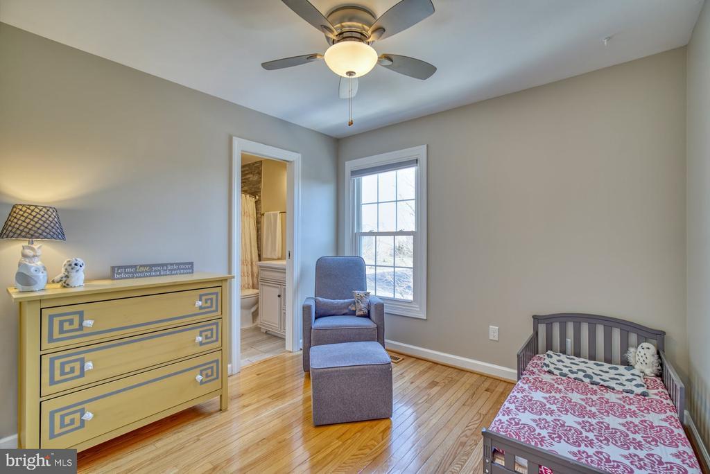 Cozy Fourth Bedroom - 21033 FOWLERS MILL CIR, ASHBURN
