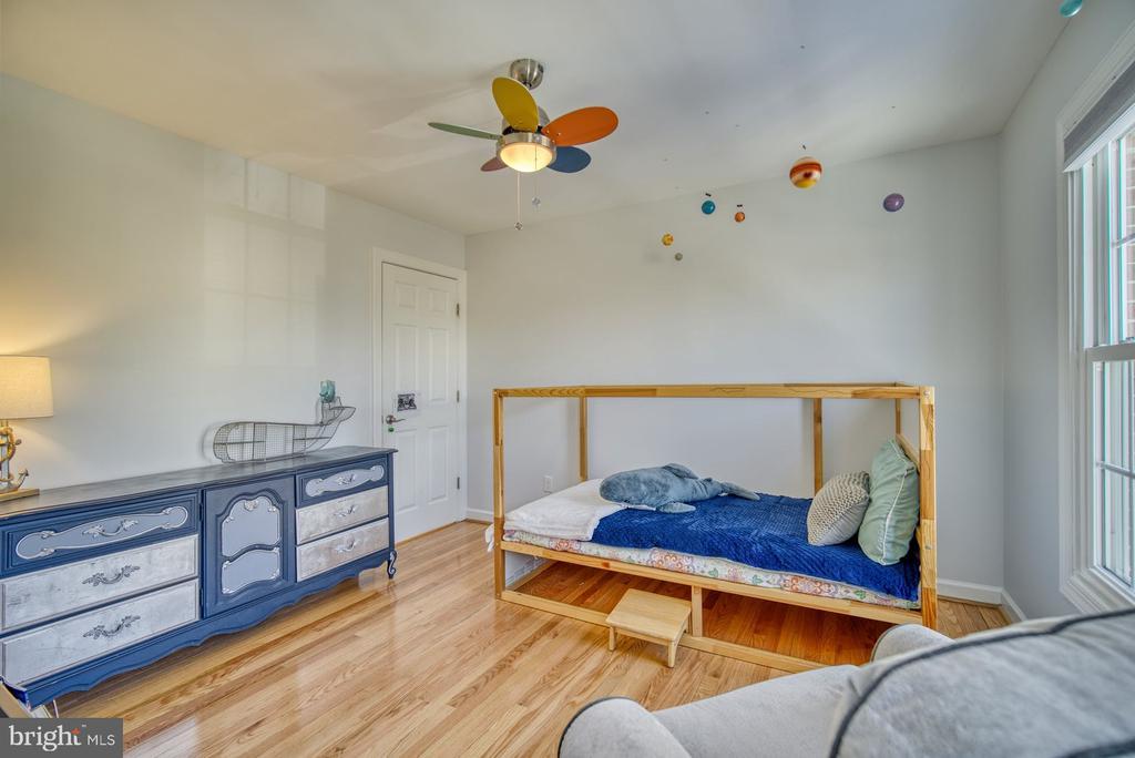 Darling Third Bedroom - 21033 FOWLERS MILL CIR, ASHBURN