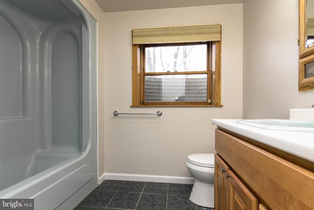 Full bath on lower level is perfect fir in laws - 304 PRELUDE DR, SILVER SPRING