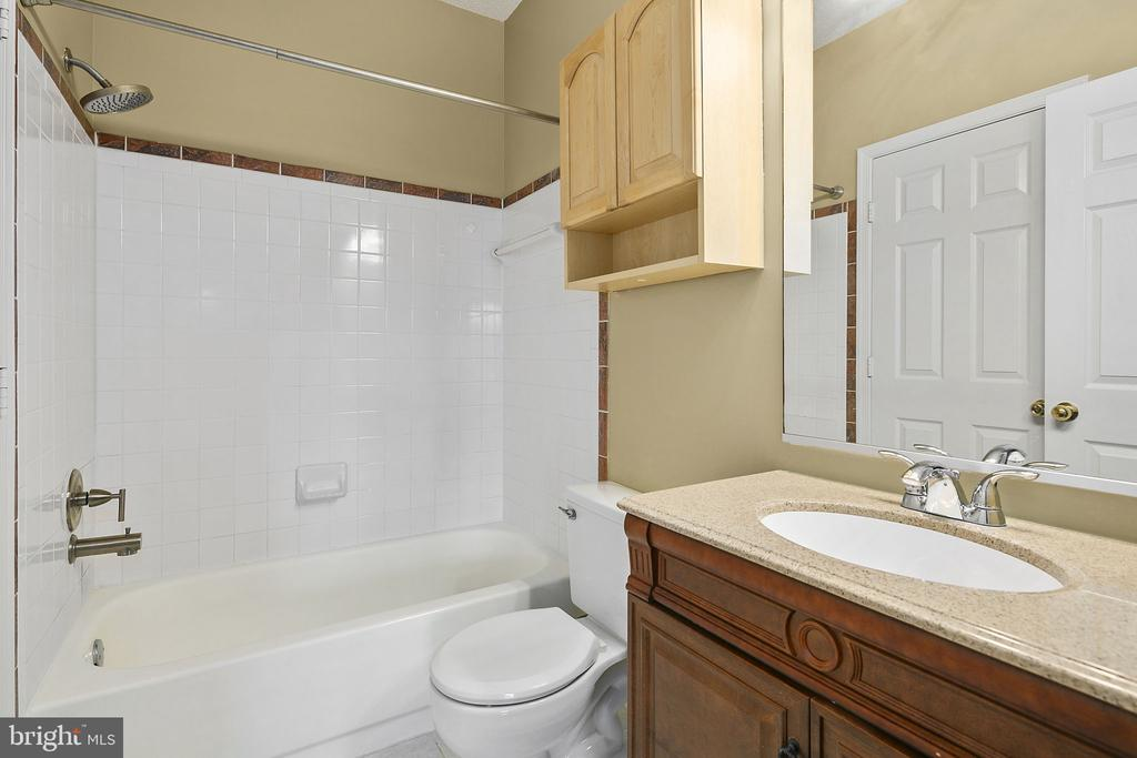 Bathroom #2 - 14305 CLIMBING ROSE WAY #205, CENTREVILLE