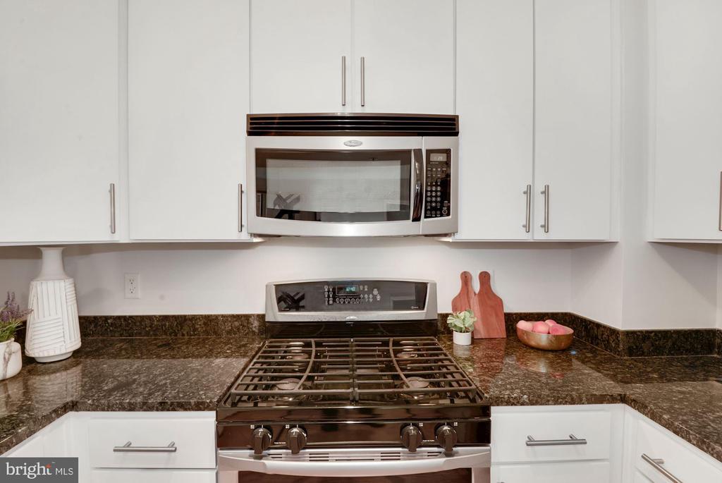 Gas cooking - 915 E ST NW #403, WASHINGTON