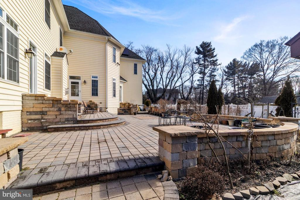 Side View Patio - 2509 BRIGGS CHANEY RD, SILVER SPRING