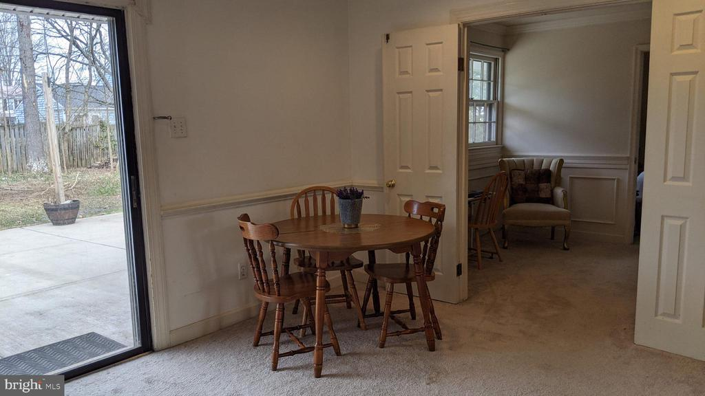Dining room leads to office/sunroom, master & bath - 5609 OTTAWA RD, CENTREVILLE