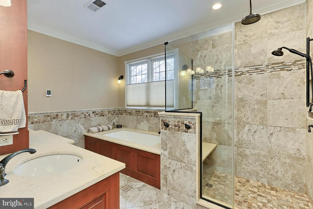 - 22029 WOODWINDS DR, LEESBURG
