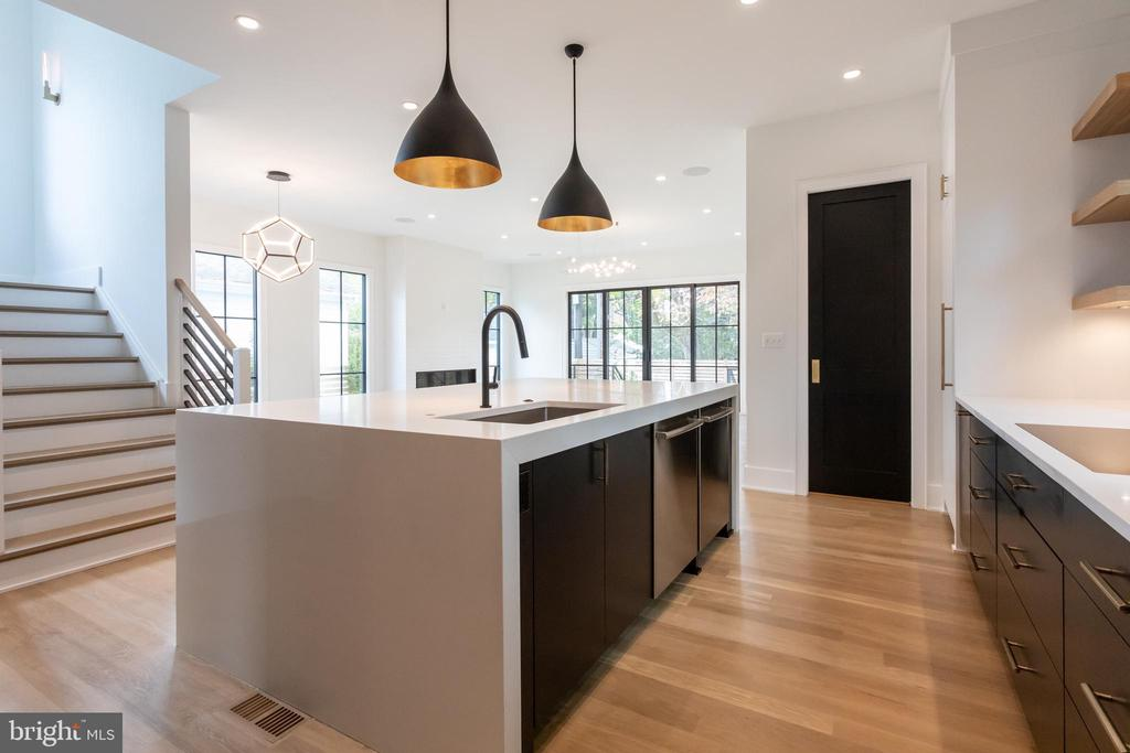 Customize finishes! Photo of recent completion - 1904 N HARVARD ST, ARLINGTON