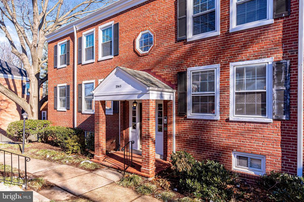Welcome Home - 2943 S DINWIDDIE ST #A1, ARLINGTON
