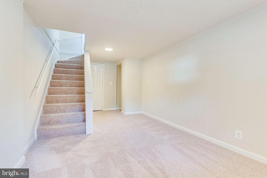 Recessed lighting throughout lower level - 2943 S DINWIDDIE ST #A1, ARLINGTON