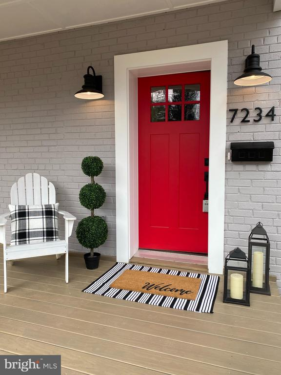 Large welcoming front porch - 7234 ARTHUR, FALLS CHURCH