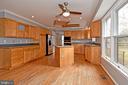 Kitchen - 5203 GLEN MEADOW RD, CENTREVILLE
