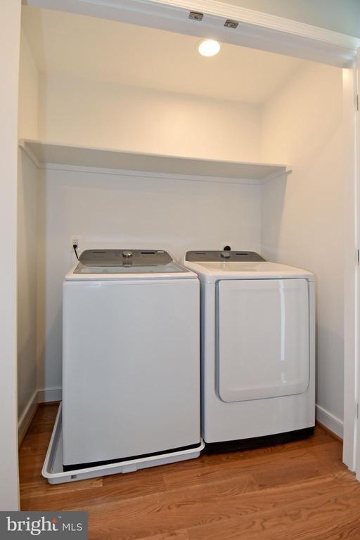 second level washer dryer - 7234 ARTHUR, FALLS CHURCH