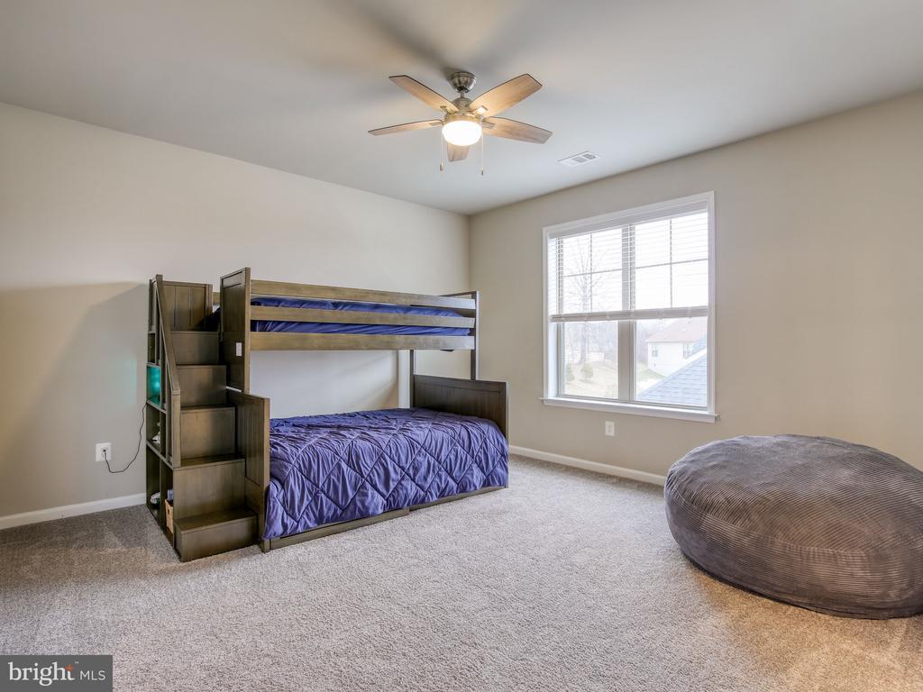 Upper Bedroom 2 - 17260 CREEKSIDE GREEN PL, ROUND HILL