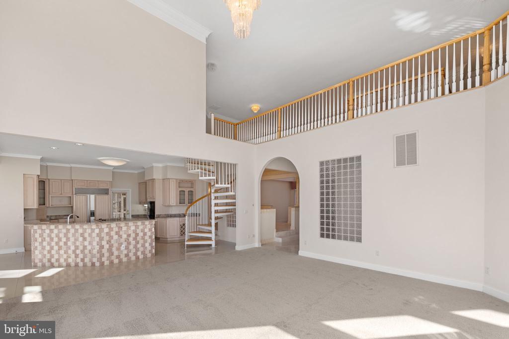 Family Room to Kitchen - 3714 FAIRWAYS CT, FREDERICKSBURG
