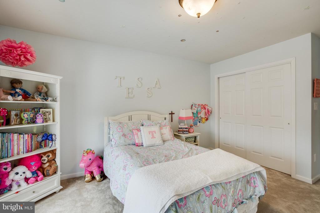 Bedroom 2 - 903 CRESTVIEW TER, WINCHESTER