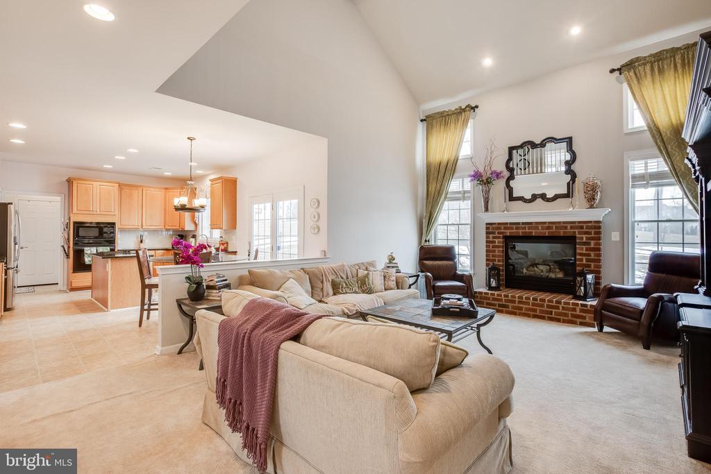 Open Living Room - 903 CRESTVIEW TER, WINCHESTER