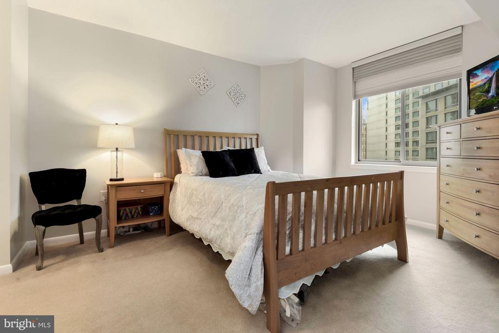 Bedroom - 851 N GLEBE RD #819, ARLINGTON