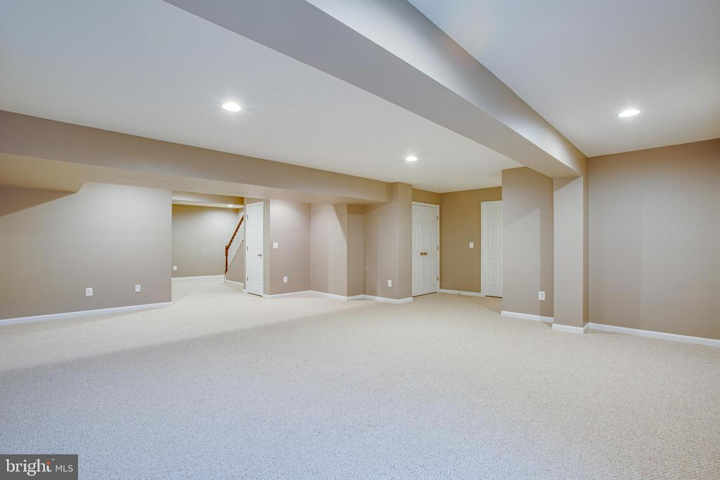 Tons of space for multi-purpose concepts! - 1002 JONS PL, FREDERICKSBURG