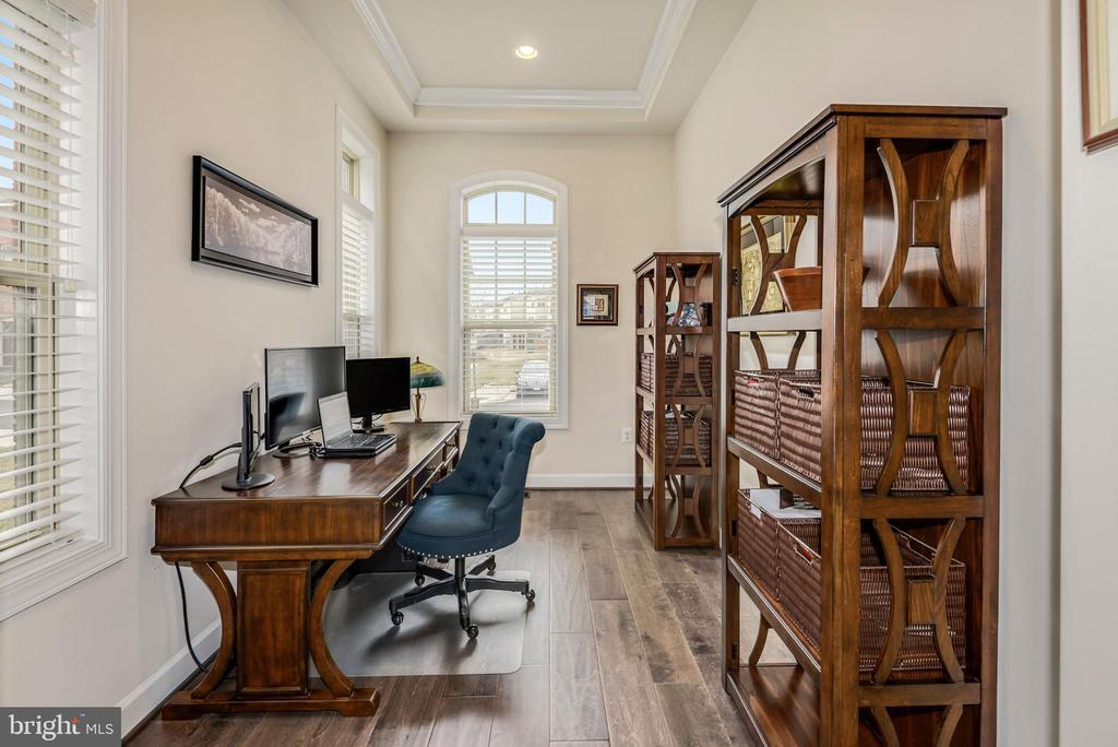 Amazing office perfect for teleworking - 42594 DREAMWEAVER DR, ASHBURN