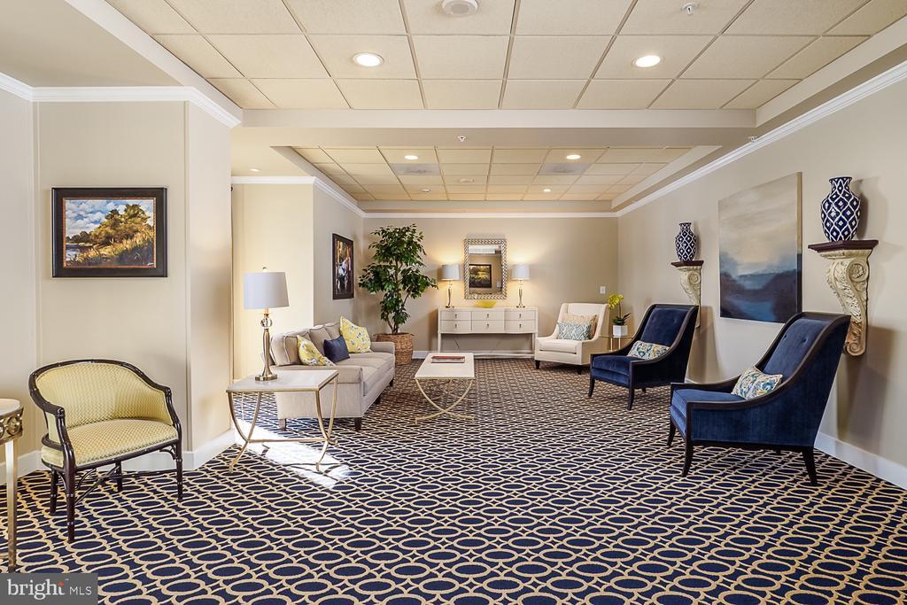 Building Lobby in Potomac Ridge - 19365 CYPRESS RIDGE TER #707, LEESBURG