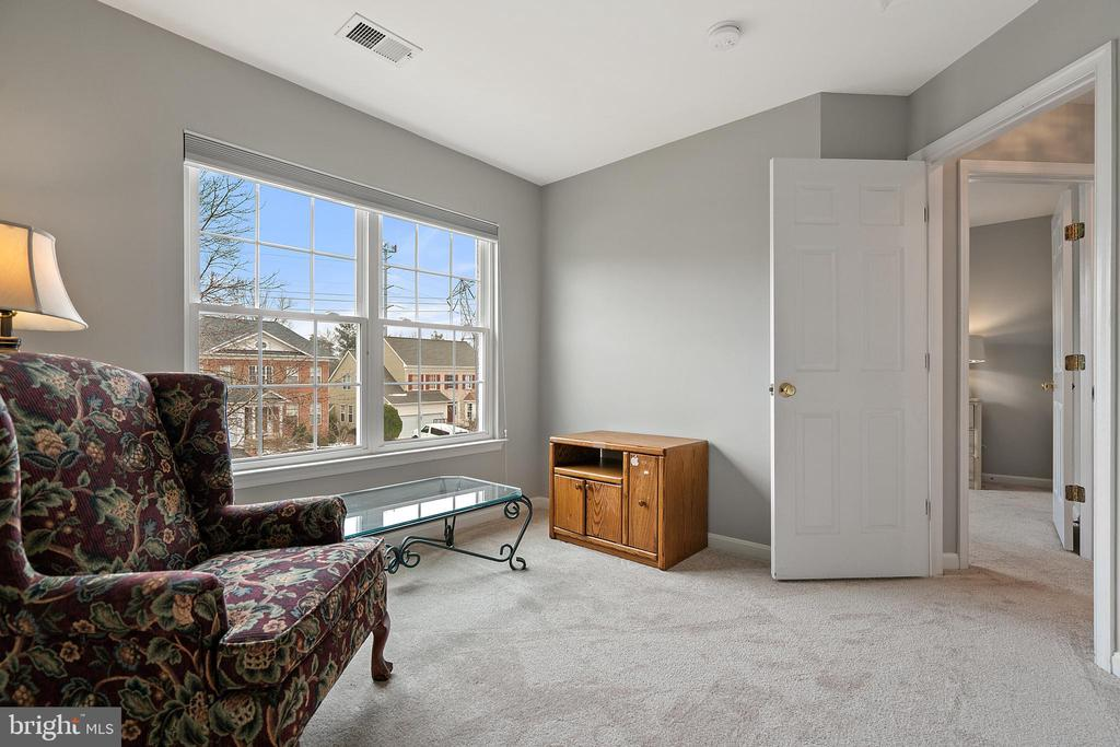 Bedroom #2 (Upper Level) - 18279 MAPLE SPRING CT, LEESBURG