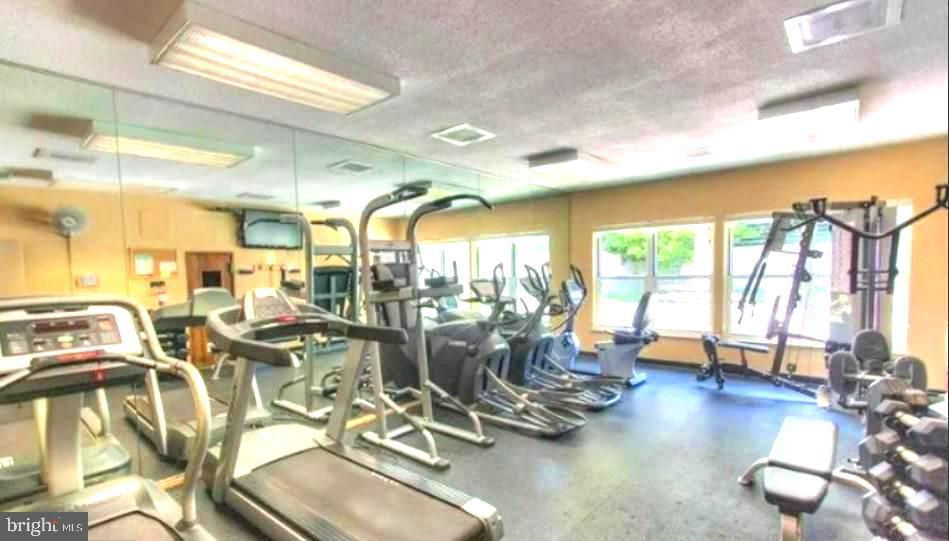 Astoria Fitness Center - 2100 LEE HWY #G09, ARLINGTON