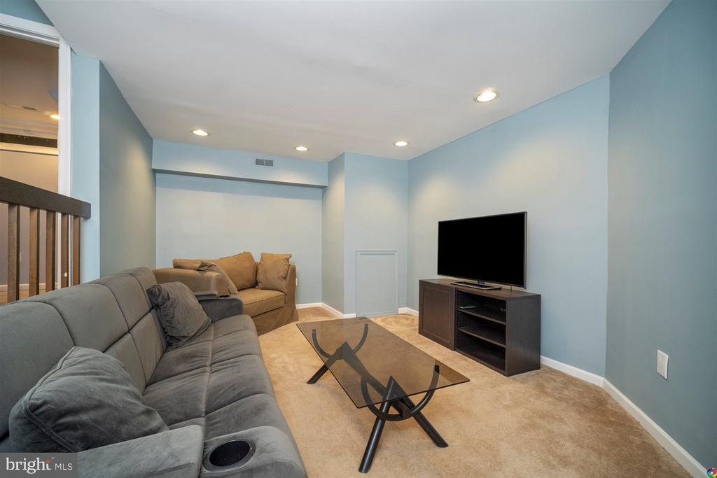 basement rec room - 1069 NICKLAUS CT, HERNDON