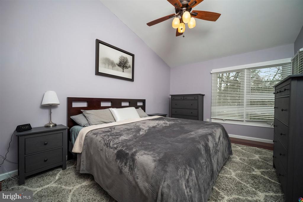 Master bedroom - 1069 NICKLAUS CT, HERNDON