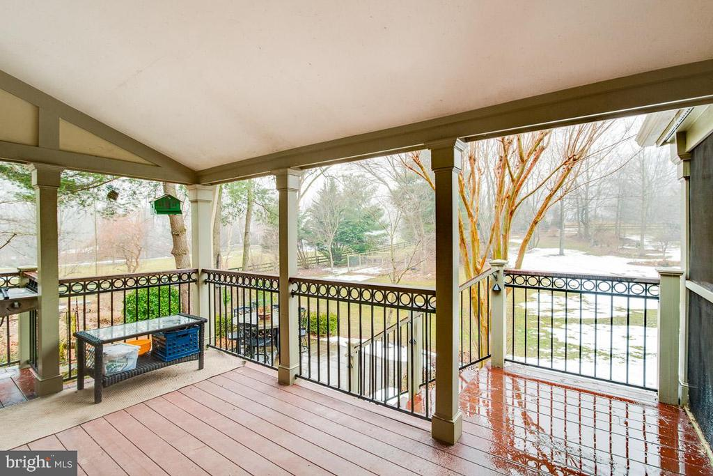 Enclosed porch-Alt view - 20277 DAWSON MILL PL, LEESBURG