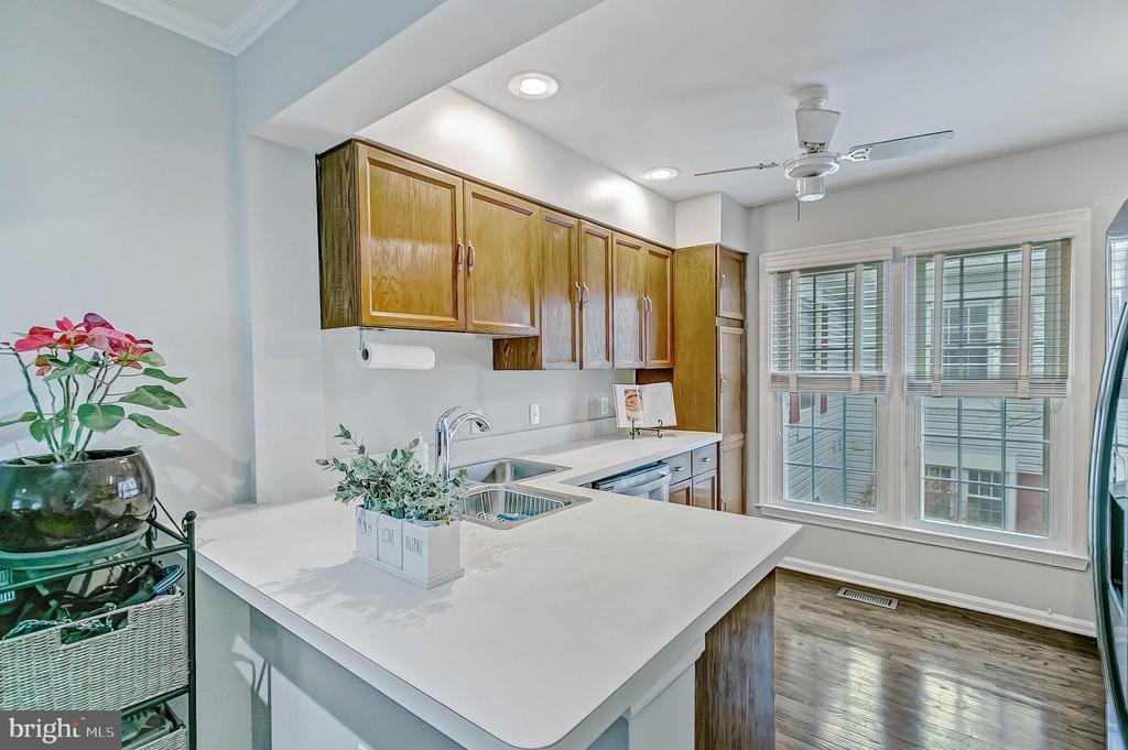 Kitchen - all new appliances - 2913-B S WOODSTOCK ST #2, ARLINGTON