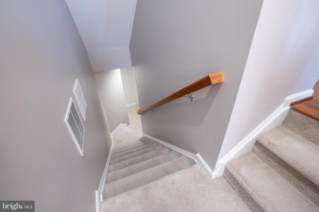 Stairs running down to below floor - 22462 FAITH TER, ASHBURN