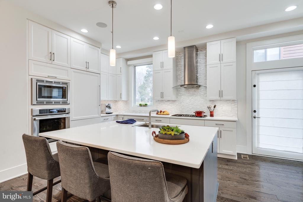Kitchen with Extra Island Storage - 171 WINSOME CIR, BETHESDA
