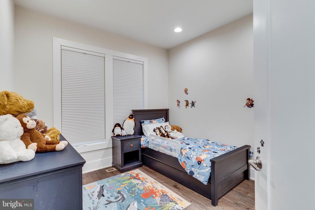 Bedroom 3 - 171 WINSOME CIR, BETHESDA