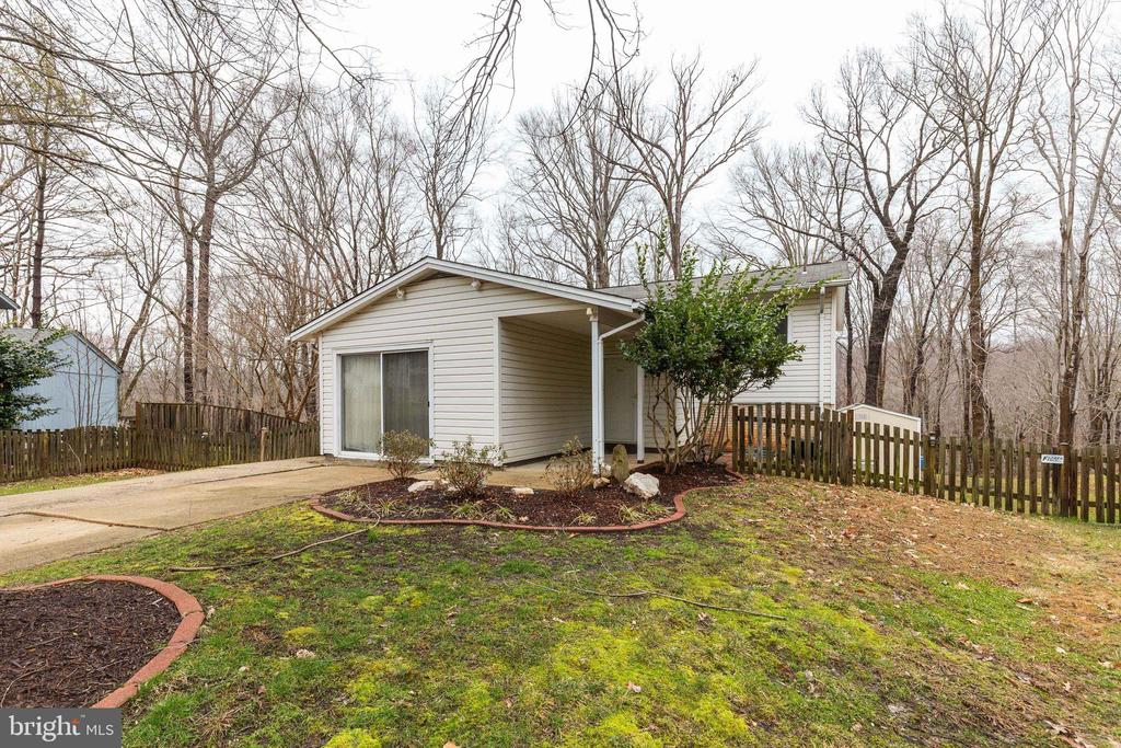 Welcome Home! - 6221 HASKIN CT, BURKE