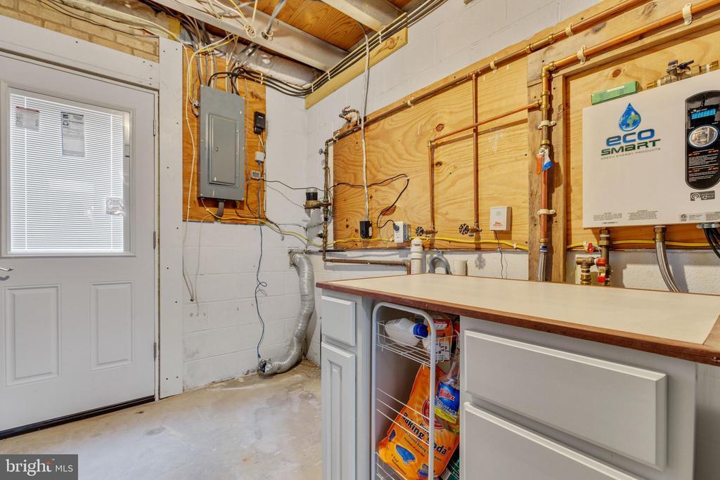 Laundry/ Utility Room - 6221 HASKIN CT, BURKE