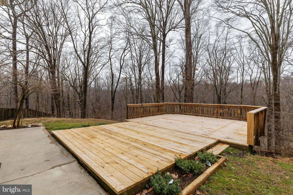 New Deck - 6221 HASKIN CT, BURKE