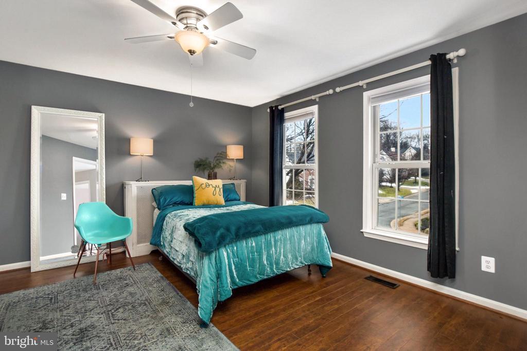 Bedroom 3 on Upper Level - 20757 PARKSIDE CIR, STERLING