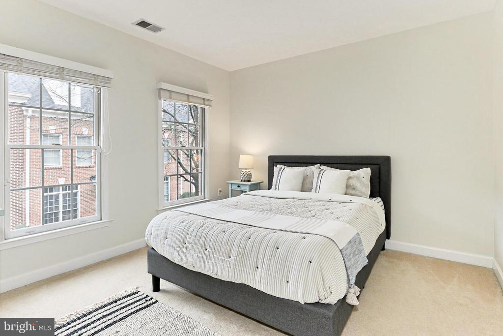 Upper Level Bedroom #3 - 425 PARK AVE, FALLS CHURCH
