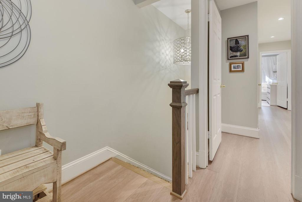Foyer - Gorgeous Light Fixture in Stairwell! - 1610 BELMONT ST NW #D, WASHINGTON