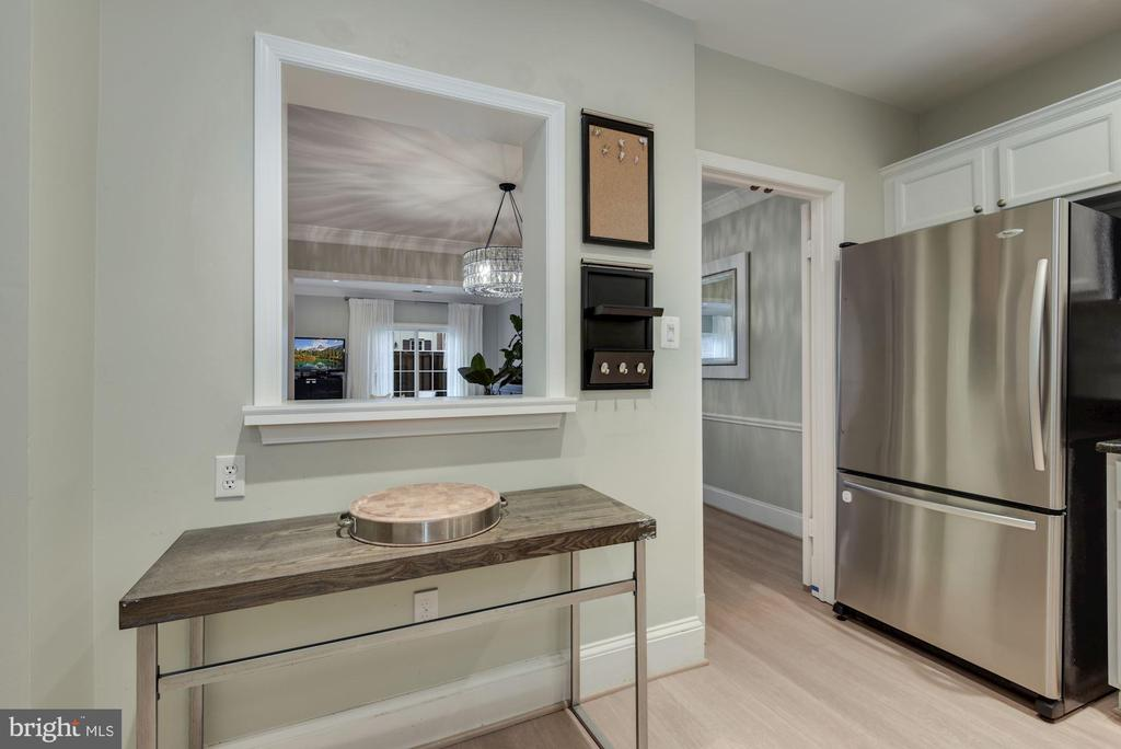 Home Owners Opened Up Wall Btw Kitchen & Dining! - 1610 BELMONT ST NW #D, WASHINGTON